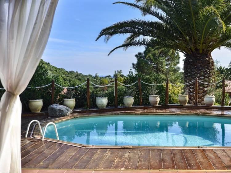 Villa Mit Privatem Schwimmbad In Costa Rei, SUED SARDINIEN. Villa Mit  Privatem Pool, WI FI, 4 Zimmer, Davon 3 Schlafzimmer Für Max.